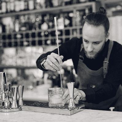 Romain barman cocktails sur mesure plages electro